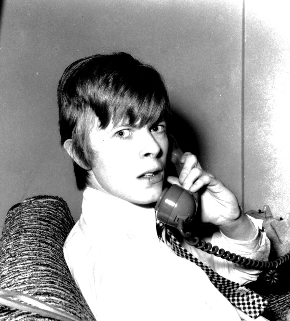 LONDON - 1966: Musician David Bowie poses for a portrait session in 1966 in London, England. (Photo by Michael Ochs Archives/Getty Images)