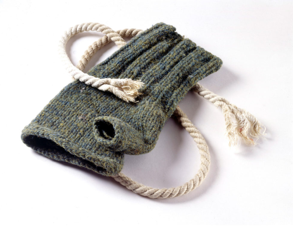 F 352968 017 1999 Usa Climbing Artifacts Belonging To Everest Mountaineer George Mallory Fingerless Glove Found In Glm's Pocket, With Climbing Rope Recovered From His Torso. (Photo By Jim Fagiolo/Mallory & Irvine/Getty Images)