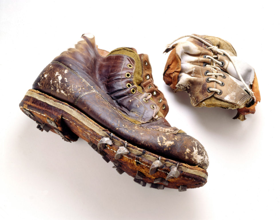 F 352968 022 1999 Usa Climbing Artifacts Belonging To Everest Mountaineer George Mallory Glm's Custom Boots, One Found Complete, The Other Partially Destroyed. The Boots Featured Felt Midsoles For Greater Insulation And Hobnails For Traction On Snow And Ice. (Photo By Jim Fagiolo/Mallory & Irvine/Getty Images)