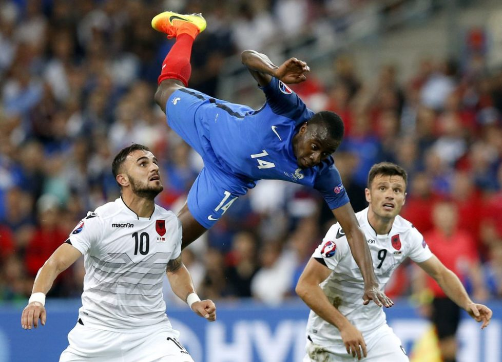 epaselect epa05368149 Blaise Matuidi (C) of France in action during the UEFA EURO 2016 group A preliminary round match between France and Albania at Stade Velodrome in Marseille, France, 15 June 2016.....(RESTRICTIONS APPLY: For editorial news reporting purposes only. Not used for commercial or marketing purposes without prior written approval of UEFA. Images must appear as still images and must not emulate match action video footage. Photographs published in online publications (whether via the Internet or otherwise) shall have an interval of at least 20 seconds between the posting.) EPA/GUILLAUME HORCAJUELO EDITORIAL USE ONLY