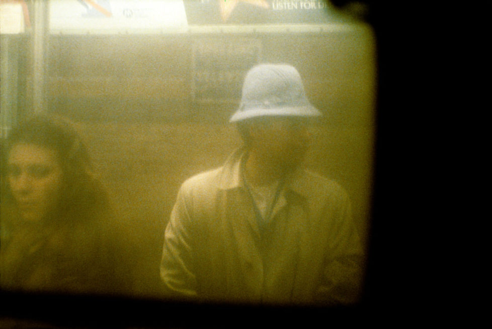 SUBWAY NEW YORK, 1977-1984 © by Willy Spiller 2016 STURM & DRANG PUBLISHERS ------------------------------------- Reto Caduff Schöneggstrasse 5 CH-8004 Zürich +41793489178 website facebook Für Inspiration siehe auch: http://www.bjp-online.com/2016/10/willy-spillers-photographs-from-the-new-york-underground-1977-1984/