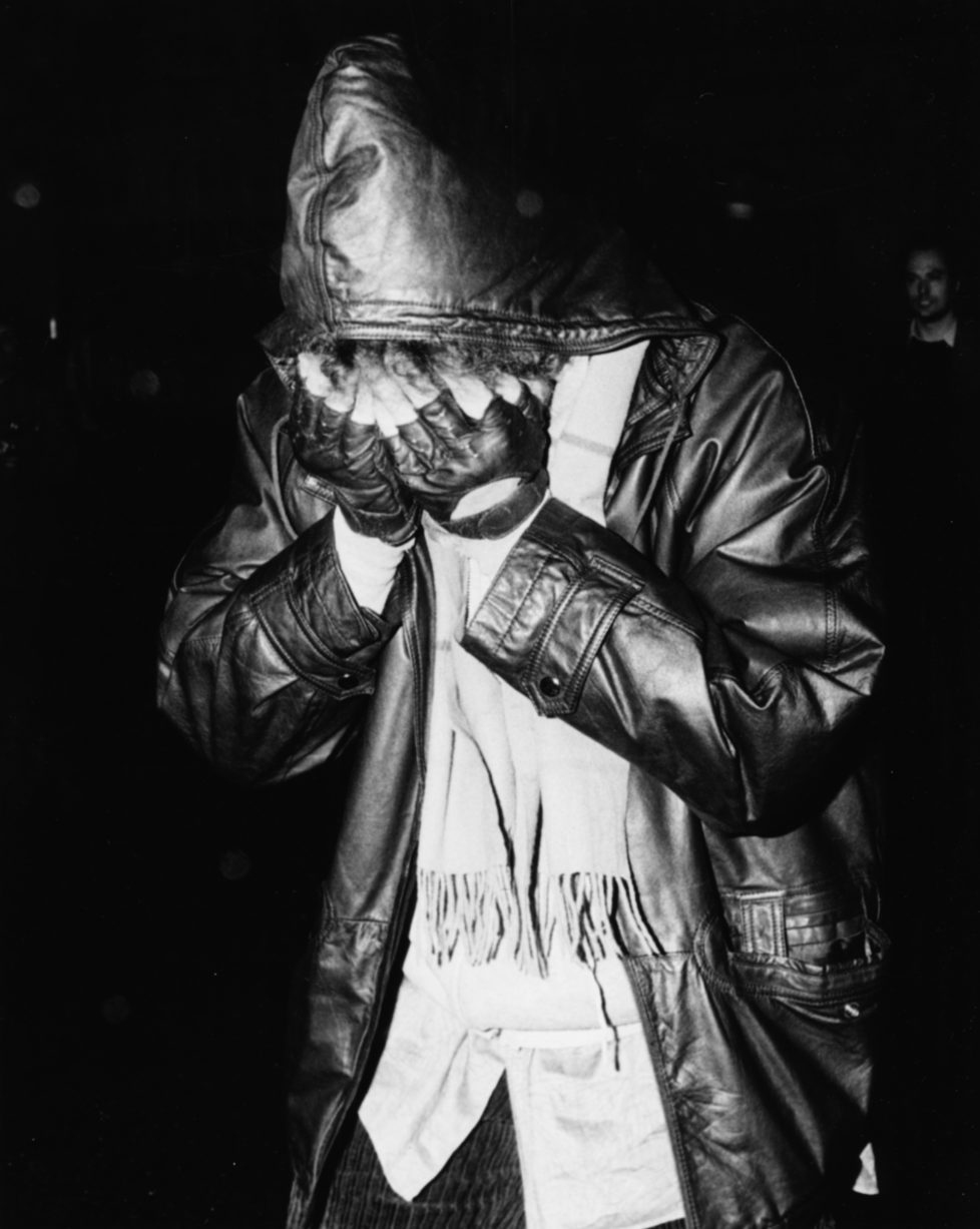 Musician Bob Dylan hiding his face in his hands as he leaves 'Lagan's Brasserie' in London, October 26th 1987. (Photo by Dave Hogan/Getty Images) *** Local Caption *** Bob Dylan