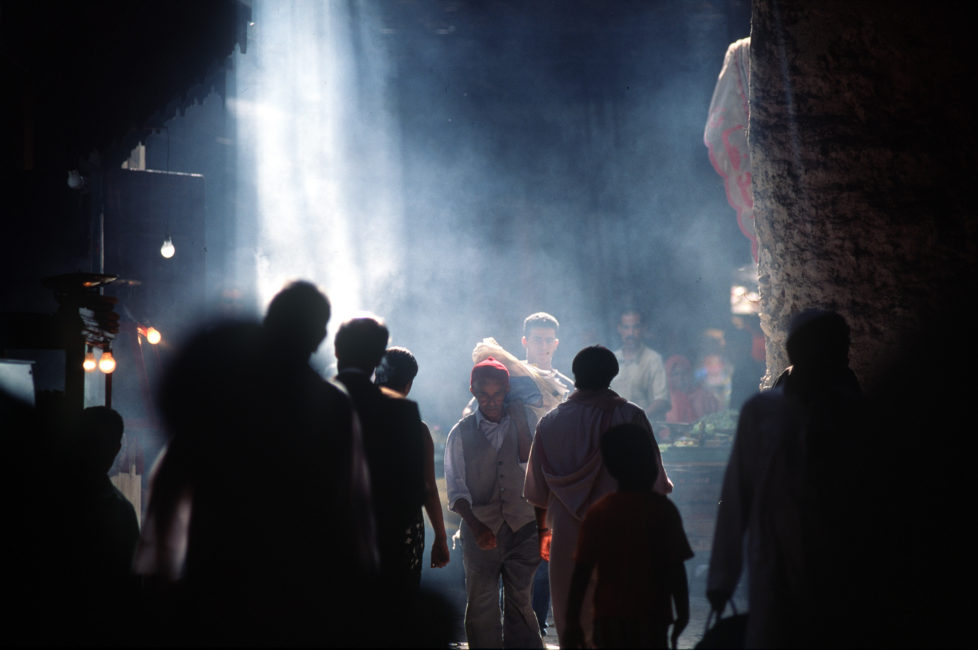 (AUSTRALIA & NEW ZEALAND OUT) Human life in motion: the Marrakech souq, 22 October 1998. (Photo by Fairfax Media via Getty Images)